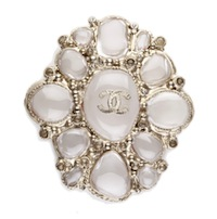 CHANEL_brooch_pearl_gold_not_a_replica_discount